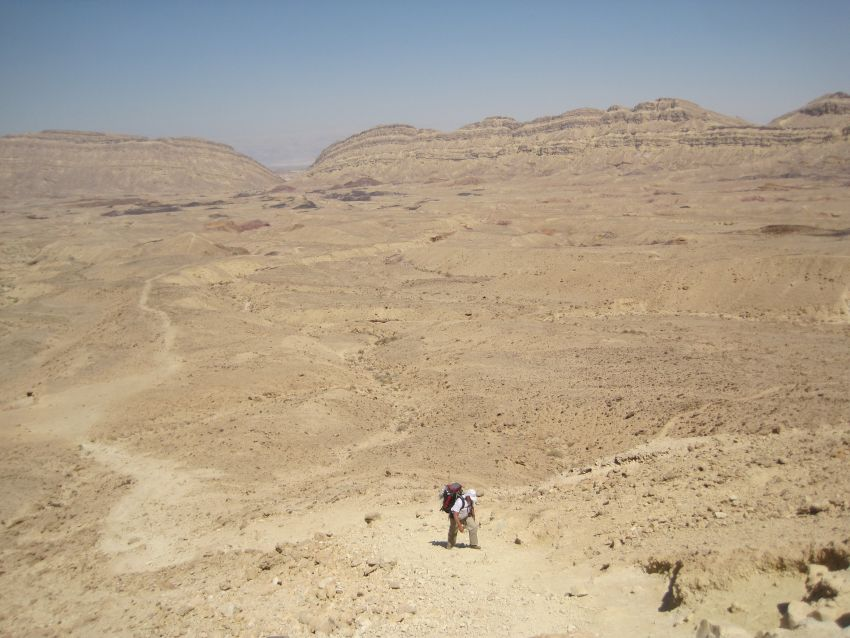 Don trudging up the first part of the Eli ascent מעלה עלי