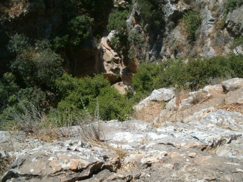 Looking down a cliff on the north side of Wadi Amud